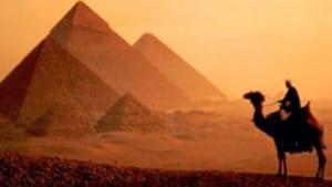 930 Pyramids