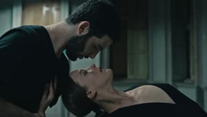Sex, gender, dance, and music in a cinematic blender: Or Schraiber and Bobbi Jene Smith in 'Aviva.' (Image courtesy of Outside Productions.)