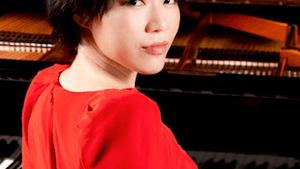 Pianist Ching-Yun Hu (Photo by Hanshun Wang)