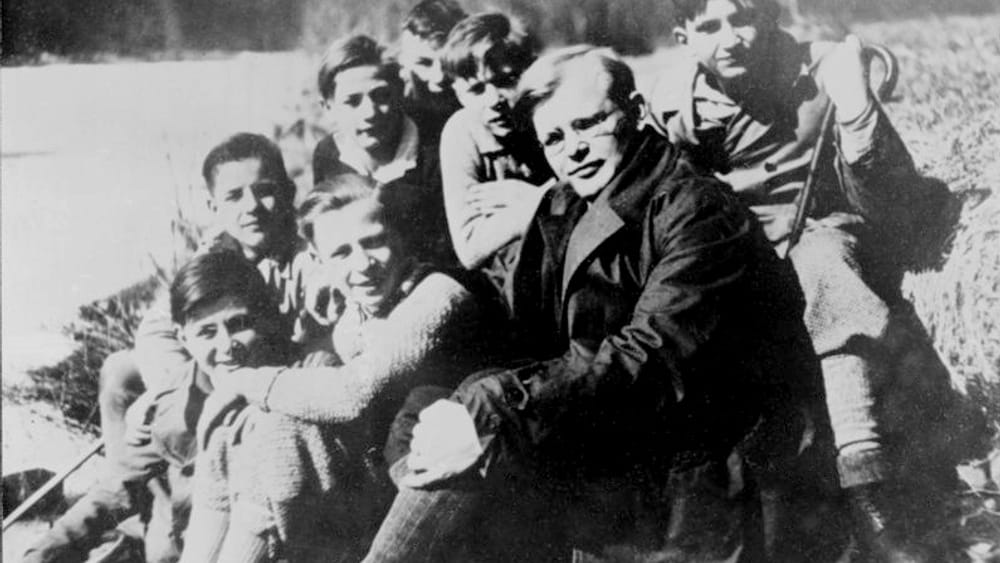 Dietrich Bonhoeffer with confirmands in 1932.