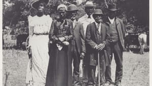 A portrait of an Emancipation Day celebration in 1900. (Image via Wikimedia Commons, credited to Grace Murray.)