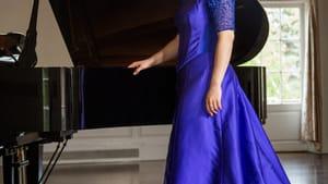 Metropolitan Opera veteran soprano Erin Morley can pair with the piano, too. (Image courtesy of ErinMorley.com.)