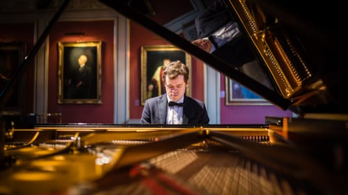 A pianist to watch out for: Benjamin Grosvenor. (Photo by Patrick Allen for Opera Omnia.)