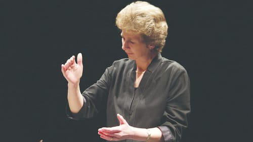 Drawing a warm, inviting sound sans baton: conductor Jane Glover. (Image courtesy of the Philadelphia Orchestra.)
