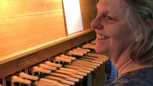 A welcoming carillonneur: Janet Tebbel. (Photo by Gail Obenreder.)