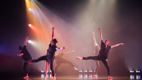 Success in lighting, sound, and movement: Koresh's 'La Danse.' (Photo by Contigo Photos + Films.)