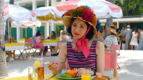 No-one would mistake Midge for a man: Rachel Brosnahan and Alex Borstein in 'Mrs. Maisel.' (Image courtesy of Amazon Studios.)