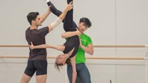 Aaron Anker, Yuka Iseda and Zecheng Liang prepare for Garrett Smith's 'Reverberance.' (Photo by Arian Molina Soca)