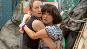 An invitation to re-explore the joys and pains of junior high: Anna Konkle and Maya Erskine in 'PEN15.' (Image courtesy of Hulu.)