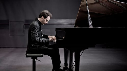 Mastery of the keys: pianist Shai Wosner. (Photo by Marco Borggrev.)
