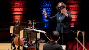Nathalie Stutzmann and the Philadelphians are already working well together. (Photo by Jeff Fusco.)